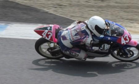 2014 #43 足立眞衣 NSF250R Hondaブルーヘルメット 全日本ロードレース J-GP3 jrr 21